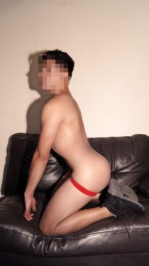 joven gay  colombiano escort y masajista servicio completo de placer